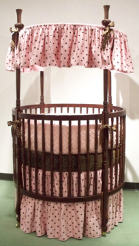 Dorothée bedding on #200 Country French Round Crib